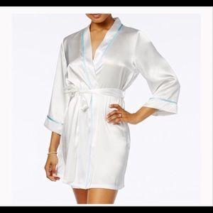 EUC Bride Robe sz L / XL